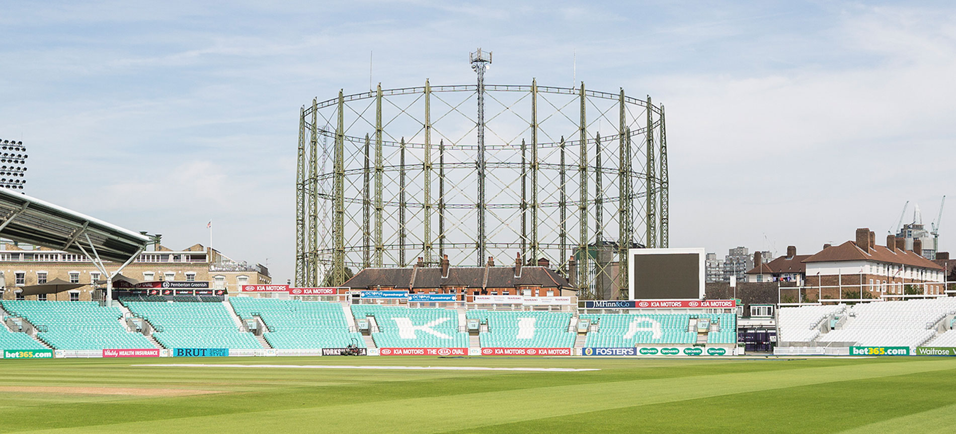 Oval Gasholder load